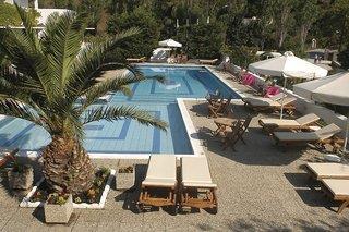 Plaza - Skiathos, Skopelos & Skyros