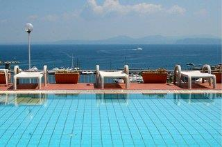 Hotelbild von Pithaecusa