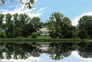 Schloss Groß Plasten - Mecklenburgische Seenplatte