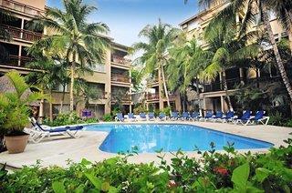 EL TUKAN HOTEL &...