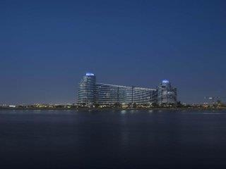 Intercontinental Residence Suites Festival City