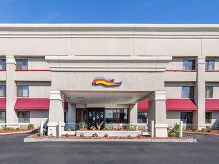 Baymont Inn & Suites Detroit Roseville Angebot aufrufen