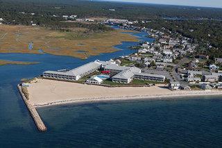 Red Jacket Beach Resort