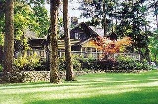 Weasku Inn Historic Lodge & Resort