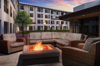 DoubleTree by Hilton Colorado Springs