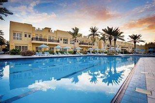 Hotelbild von Al Hamra Village Golf & Beach Resort