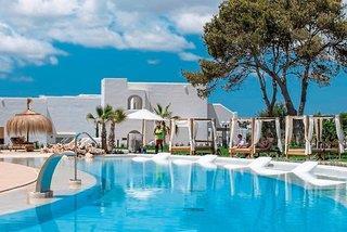 Eques Petit Resort