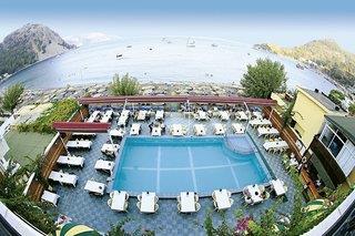 Özcan Beach Hotel & Apartments