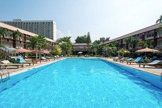 Basaya Beach Hotel & Resort