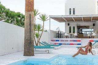 Azure Mare Hotel