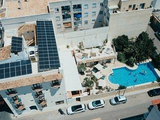 Hotel Hostal Alfonso In Cala Ratjada Mallorca Gunstige Zimmer Buchen