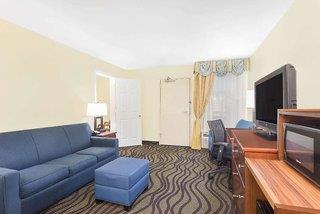 Baymont Inn & Suites Savannah Midtown