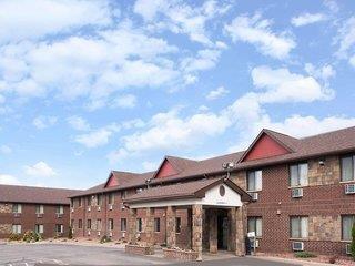 Baymont Inn & Suites Eau Claire WI