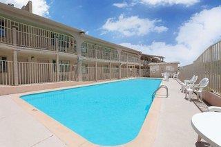 Days Inn by Wyndham Downtown-Nashville West Trinity Lane