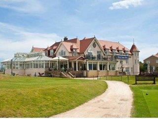 The North Shore Hotel & Golf Resort
