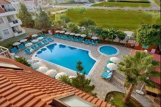 Risus Hotel