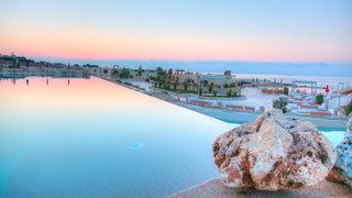 19 Hotel Resort & Residence