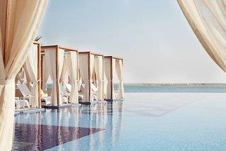 Royal M Hotel & Resort