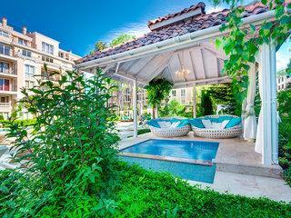 Venera & Anastasia Palace Apartments 1