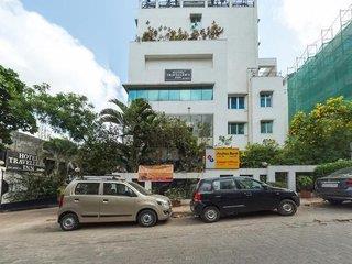Hotel Travellers Inn 1