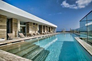 Number 11, Urban Hotel