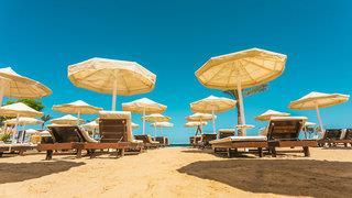 La Rosa Waves Resort