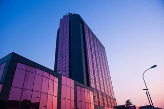 Montresor Tower