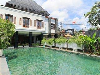 Casa Padma Suites & Hotel