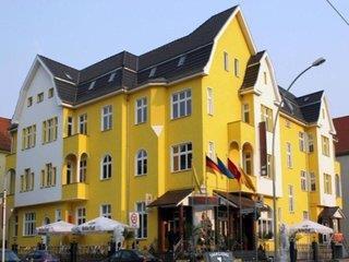 ENTREE HOTEL...