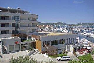 Hotel In Biograd