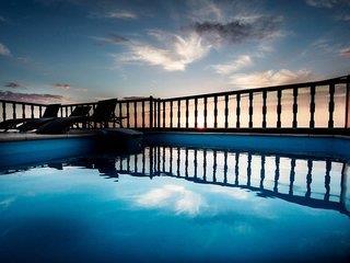 Amerisa Suites 4*, Thira (Fira) (Insel Santorin) ,Grécko
