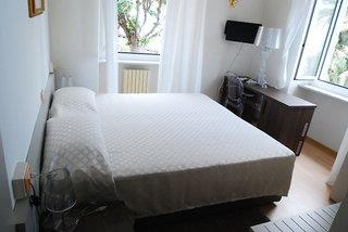 Hotel Villa Sophia 3*, Sanremo ,Taliansko