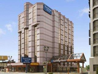Travelodge by the Falls