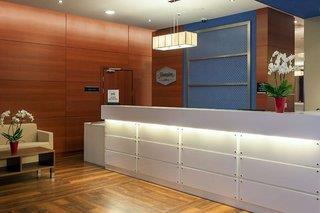 Hotelbild von Hampton by Hilton Warsaw Airport