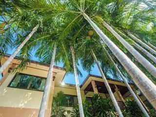 Oasis Hakuna Matata Hotel