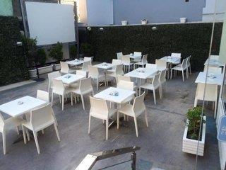 Vila Verde Hotel 3*, Tirana ,Albánsko