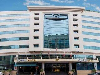 Capital O 246 Landmark Summit Hotel